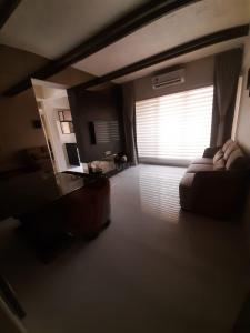 Gallery Cover Image of 660 Sq.ft 1 BHK Apartment for buy in Unique Estate Mumbai, Mira Road West for 6500000