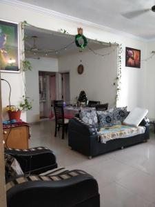 Gallery Cover Image of 1250 Sq.ft 1 BHK Apartment for rent in Viman Nagar for 30000