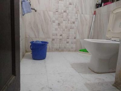 Bathroom Image of Om Realtors PG in Sector 22