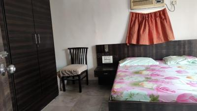 Gallery Cover Image of 605 Sq.ft 1 BHK Apartment for buy in Andheri West for 14800000