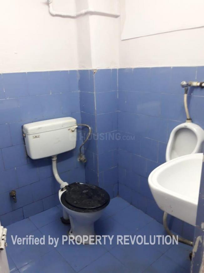 Common Bathroom Image of 1400 Sq.ft 3 BHK Independent Floor for buy in Ballygunge for 7000000