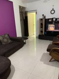 Gallery Cover Image of 1100 Sq.ft 2 BHK Apartment for buy in Mahaveer Calyx, Arakere for 4500000