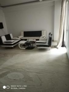 Gallery Cover Image of 1300 Sq.ft 2 BHK Independent House for rent in Sector 42 for 25000