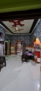 Gallery Cover Image of 1780 Sq.ft 3 BHK Independent House for buy in Shiv Nagar for 6500000