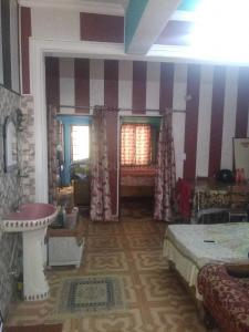 Gallery Cover Image of 1050 Sq.ft 2 BHK Independent House for rent in Banjarawala for 12000