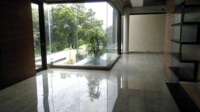 Gallery Cover Image of 2500 Sq.ft 2 BHK Independent House for buy in Jaunapur for 300000000