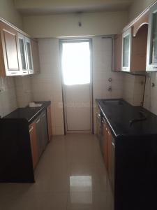 Gallery Cover Image of 647 Sq.ft 1 BHK Apartment for rent in Kandivali East for 20000