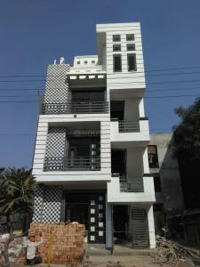 Gallery Cover Image of 550 Sq.ft 1 BHK Independent Floor for buy in Vasundhara for 2800000