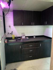 Gallery Cover Image of 200 Sq.ft 1 RK Apartment for rent in Malad West for 11000