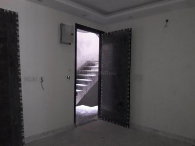 Gallery Cover Image of 900 Sq.ft 3 BHK Apartment for buy in Govindpuri for 4900000