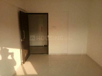 Gallery Cover Image of 660 Sq.ft 2 BHK Apartment for rent in Highway Park E2, Kandivali East for 23000