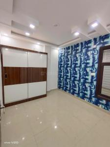 Gallery Cover Image of 410 Sq.ft 1 BHK Independent Floor for buy in Dwarka Mor for 2000000