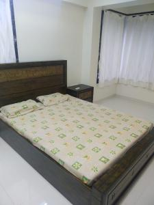 Bedroom Image of 1100 Sq.ft 3 BHK Apartment for rent in Dadar West for 70000