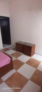 Gallery Cover Image of 900 Sq.ft 1 RK Independent Floor for rent in Sector 45 for 8000