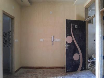 Gallery Cover Image of 450 Sq.ft 2 BHK Apartment for buy in Matiala for 2100000