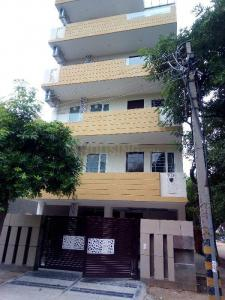 Gallery Cover Image of 600 Sq.ft 1 BHK Independent Floor for rent in Sector 55 for 26000