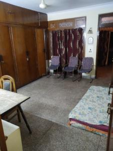 Gallery Cover Image of 600 Sq.ft 1 BHK Apartment for rent in Old Double Storey, Lajpat Nagar for 20000