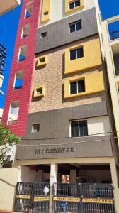 Gallery Cover Image of 10000 Sq.ft 10 BHK Independent Floor for buy in Marathahalli for 65000000
