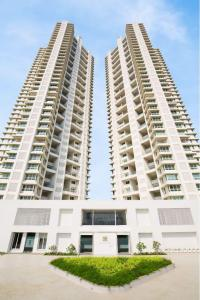 Gallery Cover Image of 2050 Sq.ft 4 BHK Apartment for buy in Ashford Royale, Bhandup West for 55600000