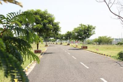Gallery Cover Image of  Sq.ft Residential Plot for buy in Tiruvallur for 599400