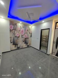 Gallery Cover Image of 910 Sq.ft 3 BHK Independent Floor for buy in Dwarka Mor for 4200000