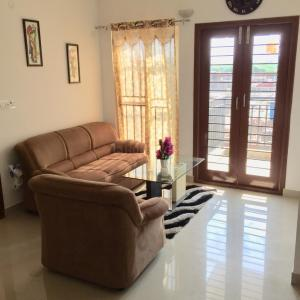 Hall Image of 950 Sq.ft 2 BHK Apartment for buy in Porur for 4600000