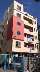 Gallery Cover Image of 1300 Sq.ft 2 BHK Apartment for rent in RMV Extension Stage 2 for 15000