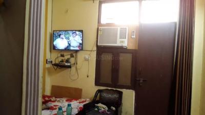 Gallery Cover Image of 490 Sq.ft 1 BHK Apartment for rent in Govindpuram for 6000