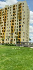 Gallery Cover Image of 1152 Sq.ft 2 BHK Apartment for buy in Vandalur for 4300000