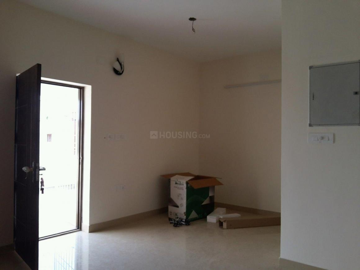 Living Room Image of 970 Sq.ft 2 BHK Apartment for buy in Korattur for 5600000