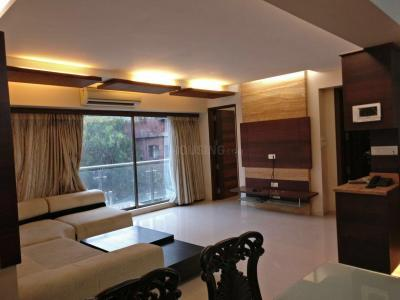 Gallery Cover Image of 512 Sq.ft 1 BHK Apartment for buy in Vile Parle West for 17000000