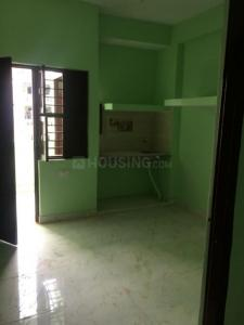 Gallery Cover Image of 170 Sq.ft 1 RK Apartment for rent in Suraj Apparts, Sector 18 for 6200