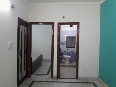 Gallery Cover Image of 450 Sq.ft 1 BHK Independent Floor for rent in Kalkaji for 16000