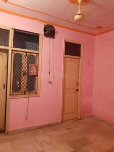 Gallery Cover Image of 600 Sq.ft 1 RK Independent Floor for rent in Shakarpur Khas for 6000