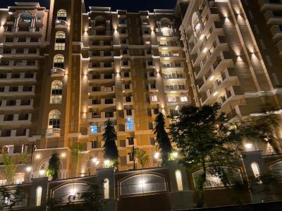 Gallery Cover Image of 2675 Sq.ft 4 BHK Apartment for buy in Purvanchal Kings Court, Gomti Nagar for 18500000