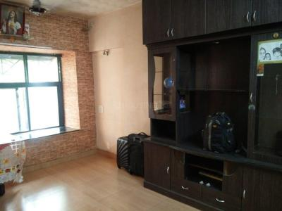 Gallery Cover Image of 700 Sq.ft 2 BHK Apartment for rent in Kandivali East for 28000