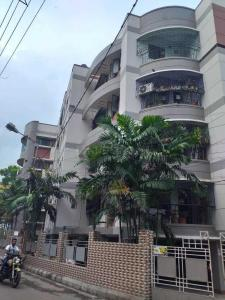 Gallery Cover Image of 2500 Sq.ft 4 BHK Apartment for buy in Kalighat for 25000000