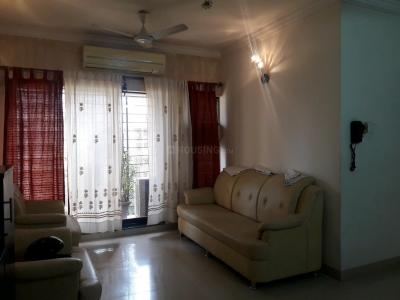 Gallery Cover Image of 1400 Sq.ft 3 BHK Apartment for buy in Malad East for 20000000