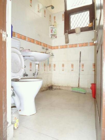 Bathroom Image of PG 4035933 Pul Prahlad Pur in Pul Prahlad Pur