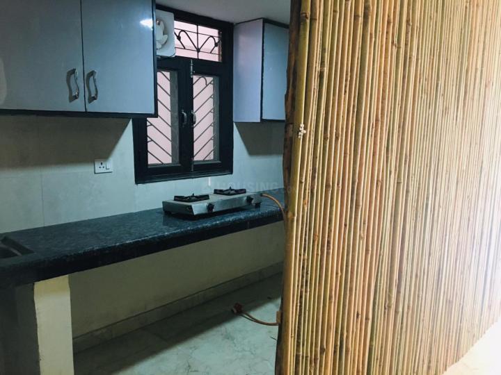 मालवीय नगर में गर्ल्स पीजी में किचन की तस्वीर