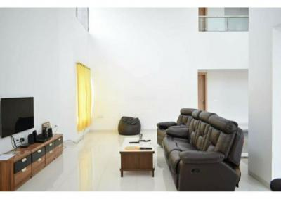 Gallery Cover Image of 6500 Sq.ft 7 BHK Villa for buy in Bavdhan for 52500000