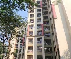 Gallery Cover Image of 1011 Sq.ft 3 BHK Apartment for rent in Riddhi Gardens, Malad East for 50000