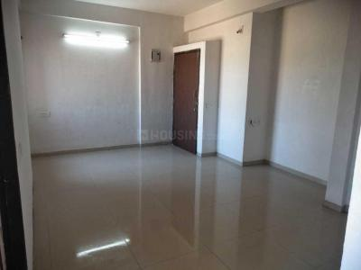 Gallery Cover Image of 750 Sq.ft 1 BHK Apartment for rent in Parshwanath Atlantis Park, Sughad for 7500