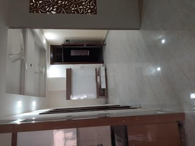 Gallery Cover Image of 1350 Sq.ft 3 BHK Apartment for rent in Defence Enclave, Sector 44 for 18000