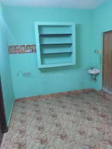 Gallery Cover Image of 550 Sq.ft 2 BHK Apartment for rent in Sembakkam for 8000