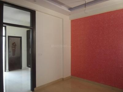 Gallery Cover Image of 450 Sq.ft 1 BHK Apartment for buy in Sector 141 for 2400000