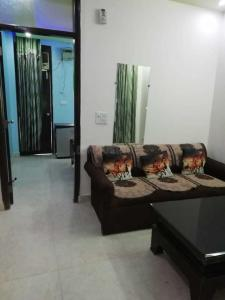 Gallery Cover Image of 390 Sq.ft 1 BHK Independent Floor for rent in New Ashok Nagar for 12000