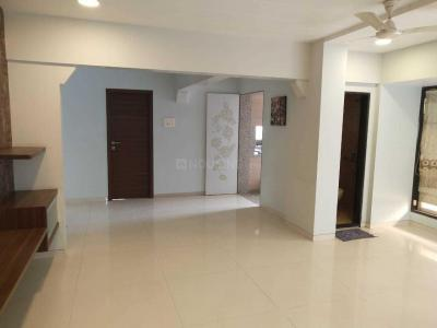 Gallery Cover Image of 1550 Sq.ft 3 BHK Apartment for buy in Borivali West for 30000000