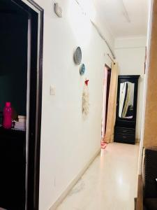 Gallery Cover Image of 1773 Sq.ft 3 BHK Apartment for rent in Ahinsa Khand for 42000