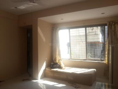 Gallery Cover Image of 525 Sq.ft 1 BHK Apartment for rent in Prabhadevi for 45000